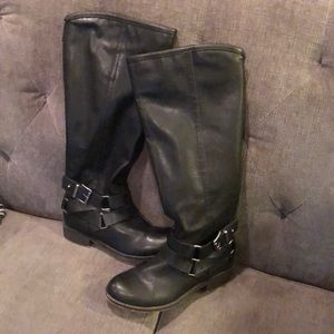 Madden Girl corporal boot size 6